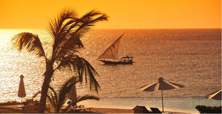 Visiter la Tanzanie - coucher de soleil sur la plage